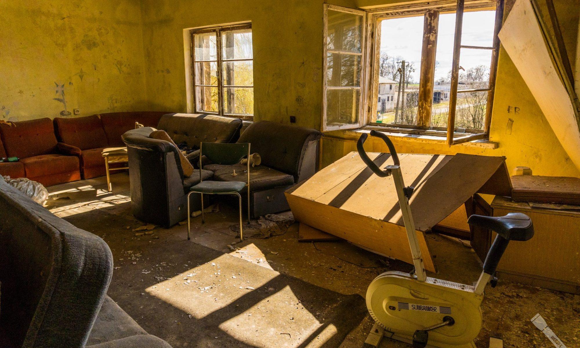 Oto kilka zdjęć z opuszczonego sierocińca.